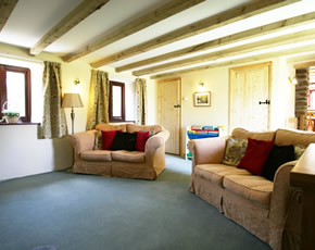 spacious toddler friendly lounge in Humpty Dumpty Cottage