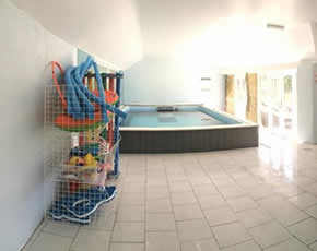 new swimming pool at higher lank farm holidays near bodmin